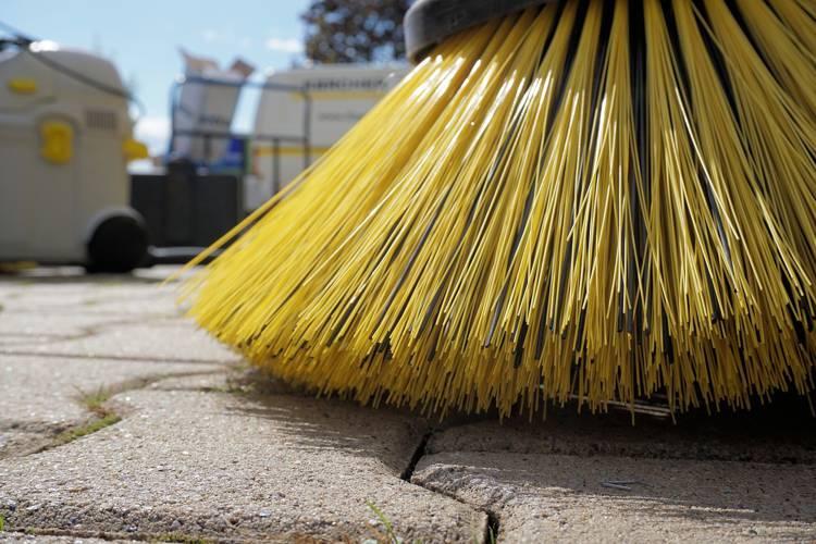 正しいお墓の掃除方法と頻度は?おすすめの手順と道具をご紹介!