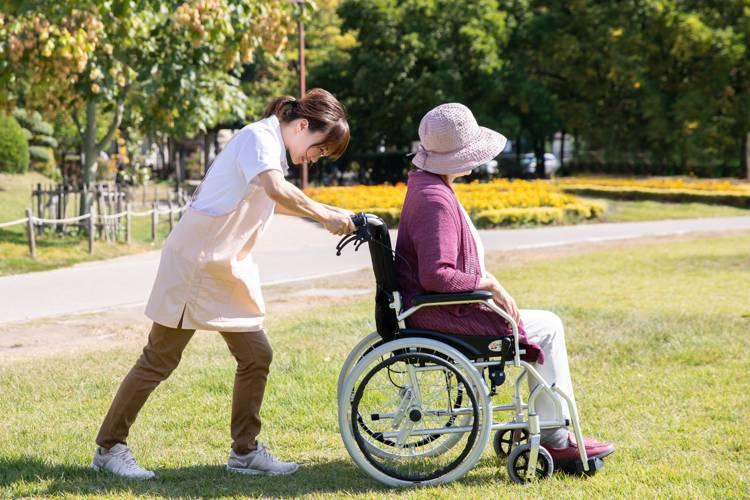 良い老人ホームの見分け方とは?間違えてはいけない介護施設の選び方