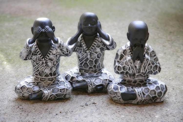 仏壇は安いものを買って大丈夫?激安仏壇館の評判やおしゃれな商品も紹介