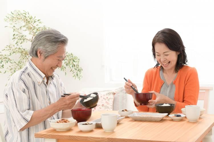 高齢者の食事メニューで1番の栄養とは?宅配弁当業者ベスト5も厳選!